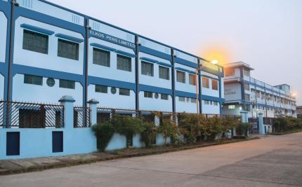 Una de las fábricas de Elkos Pen - India