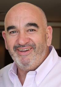 Gustavo Schmunk - Royal Consumer